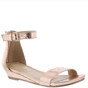 Kenneth Cole Great Star. Rose Gold. New. Size 9